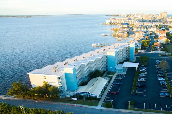 Monthly Rental! Bayfront - 2BR! Pet Friendly!