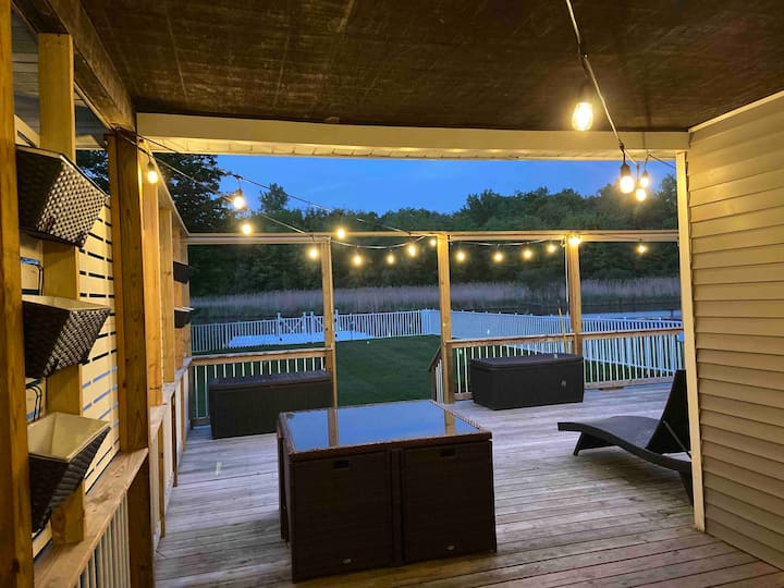 Sylvan Beach PRIVATE DOCK sleeps 8 Adults/5 Kids
