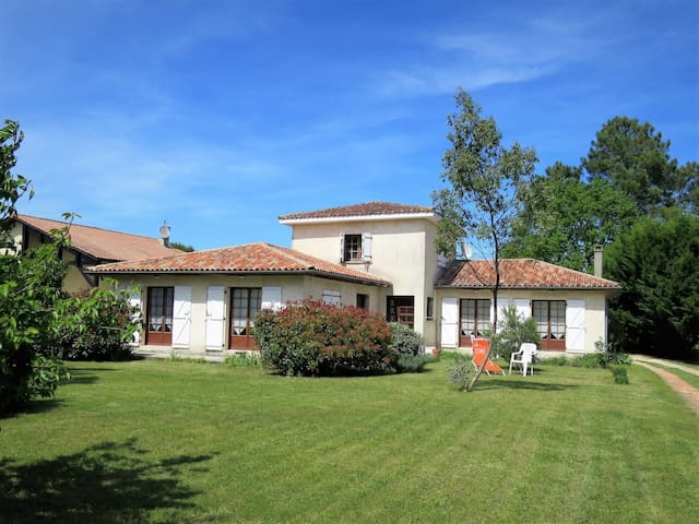 Holiday home in Gaillan-en-Medoc for 8 persons