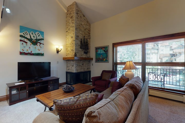 Ski-in/out condo w/ balcony, fast WiFi, fireplace & shared pool/hot tubs/laundry