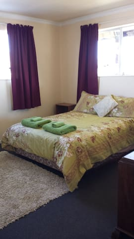 Iconic Kiwi Comfy Home @ Lake Hawea - Lake Hawea