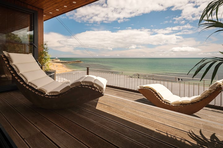 The Ocean Suite, Ventnor Beach (6ft superking bed)