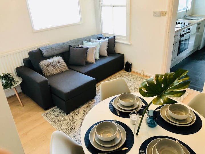 ★Stylish 1 Bed Apt by Opulent near River Cam★
