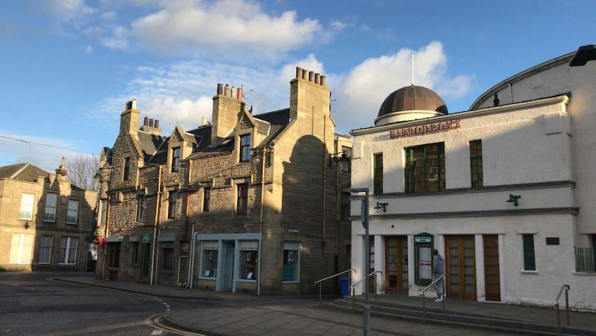 Ideal flat for Stirling, Edinburgh, Grangemouth