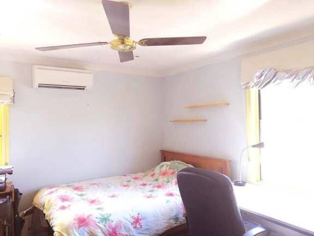 房间床空调