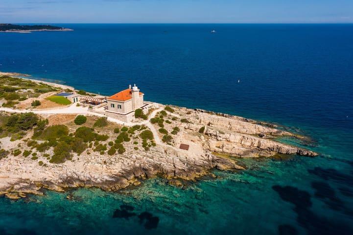 Luxury Villa Lighthouse Beyond