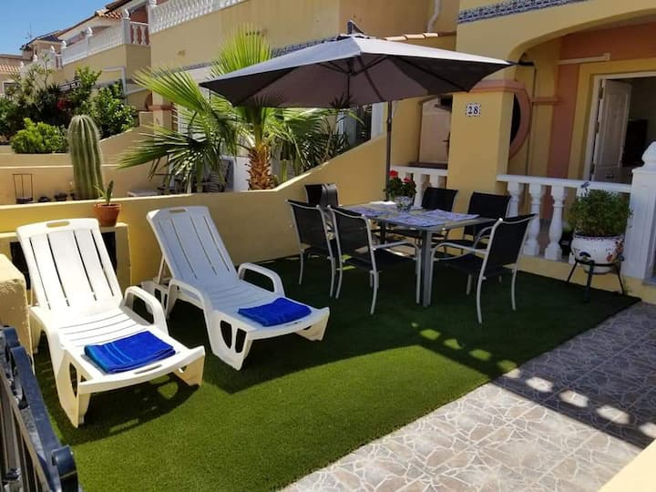 ENTIRE TOWNHOUSE CABO ROIG WALKING DISTANCE BEACH