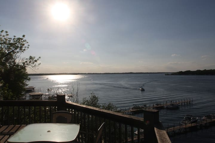 2 Bedroom West Oaks Resort, West Lake Okoboji - Arnolds Park - Condominium