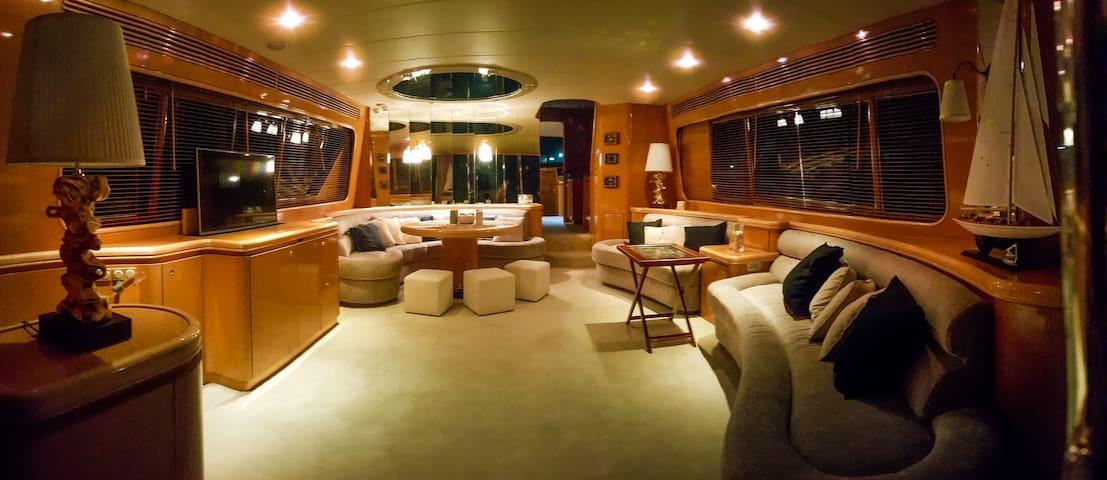 DREAM Yacht 88 - Elliniko - Bateau