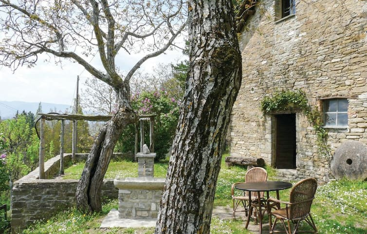Casa di Judith, gorgeous stone country house - Borgo Val di Taro - House