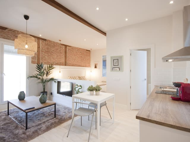 Living room with an open kitchen