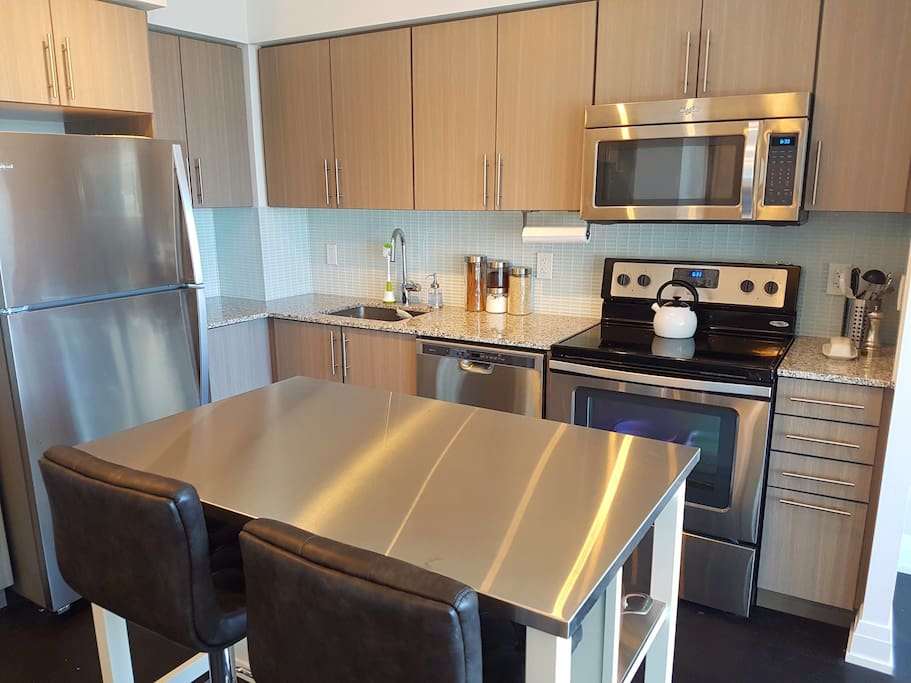 Brand new kitchen with all the necessary appliances.