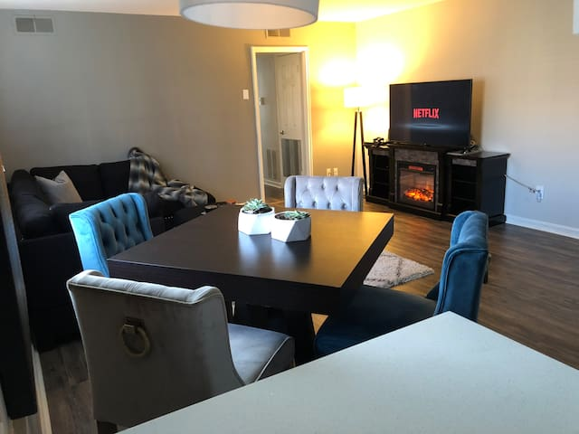 Clean & comfortable Private Bedroom near U of T