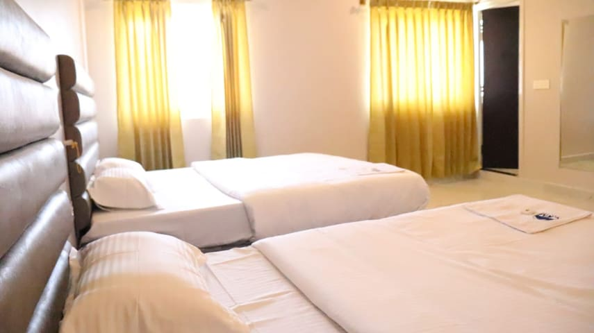 CKM TOWN INN (ROOM'S WITH 2 BED)