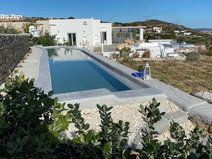 Villa Space, with 5 br, private pool and jacuzzi