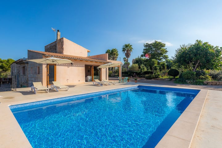 With large garden and pool - Villa Can Garau