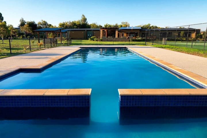 Phillip Island - Resort Accommodation - 2br Villa
