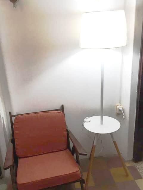 Acogedora y segura habitacion independiente c/wifi