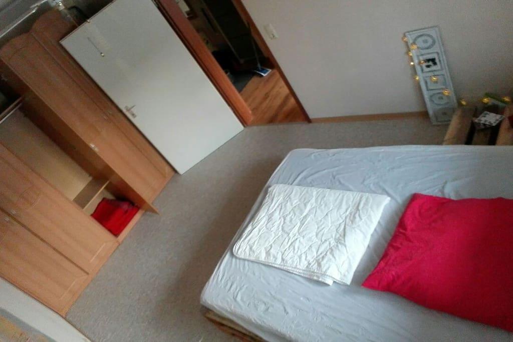 Schlafzimmer / Schrank
