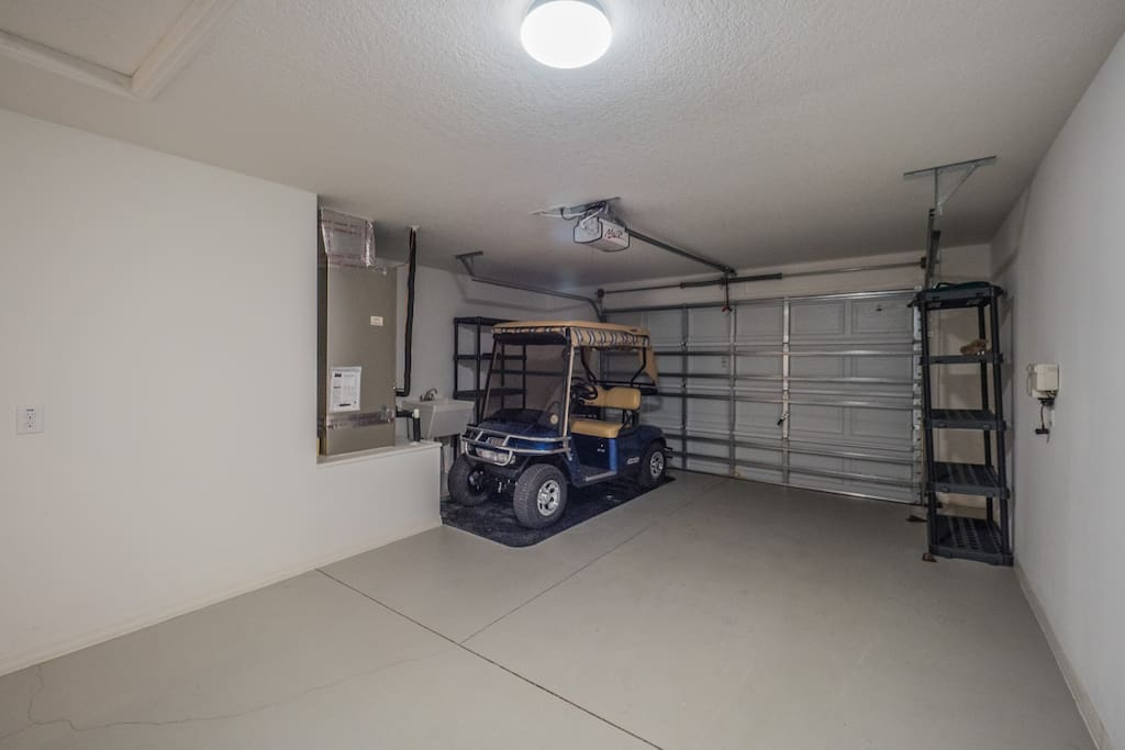 1 Car Garage with Comp Golf Cart