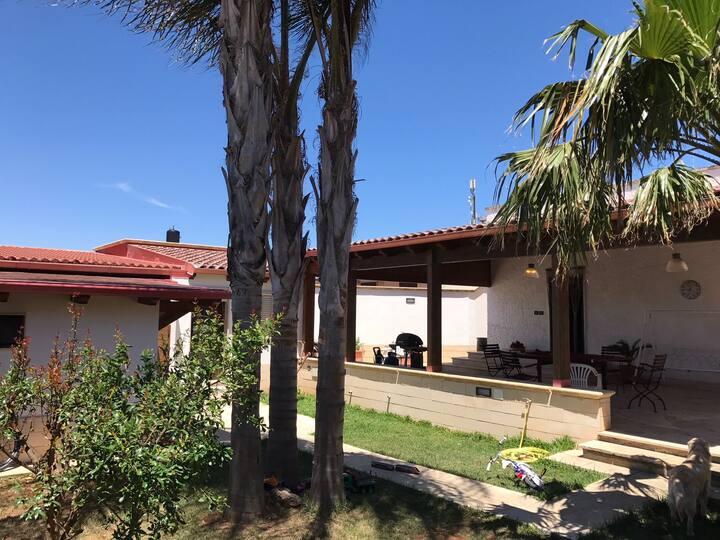 Villa con Veranda e Giardino a Porto Cesareo