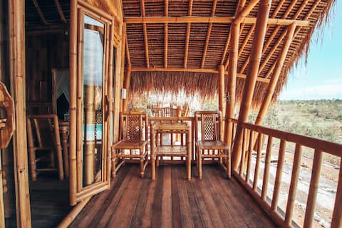 Bunga Jepun - Penida Bambu Green Villas