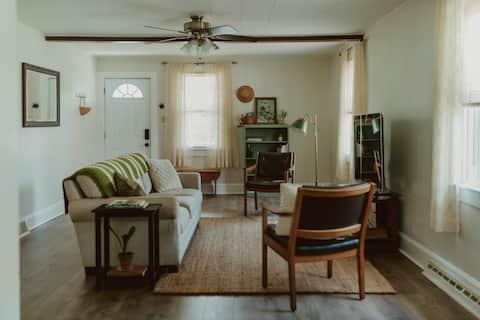 Cozy & Convenient Dallas Home
