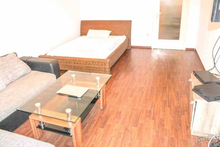 Gesamtes Apartment - Zwei Zimmer - 65 Quadratmeter