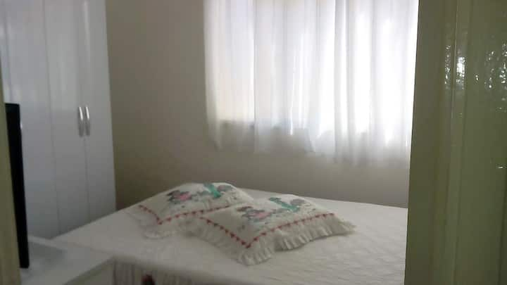 Quarto Feminino-Ondina, Salvador-BA