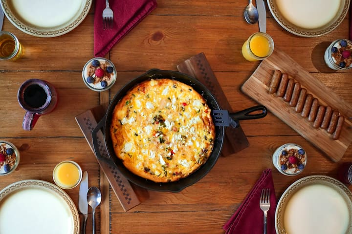 Brenda's famous 5 course breakfast is included each morning of your stay