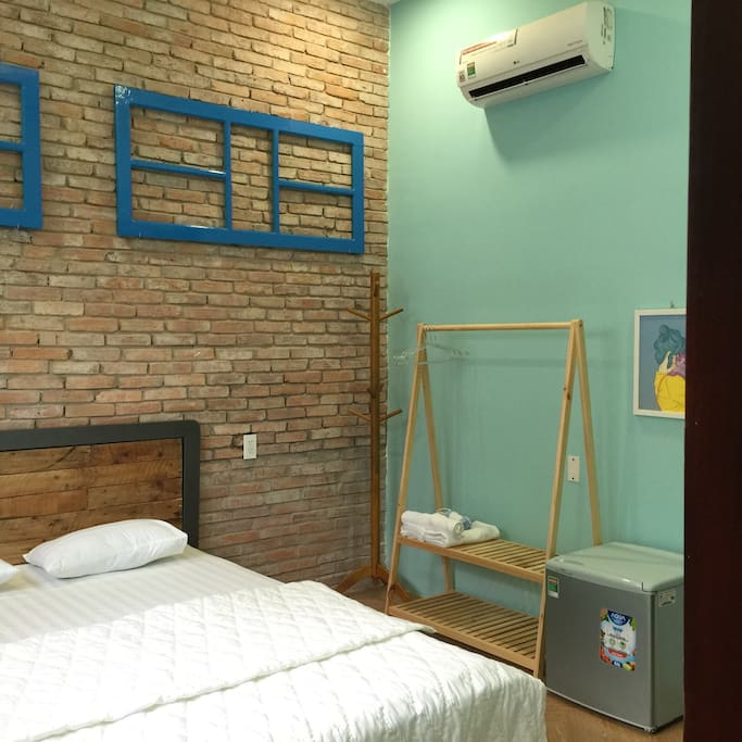 CoCo 1 - 1 double bed, 1 closet, 1 stool, 1 refrigerator, 1 hair dryer, cloth hangers, flip flops, full amenities (soap, toothbrush, comb, shaver, cotton swab), capacity 2 persons, using private toilet/bathroom