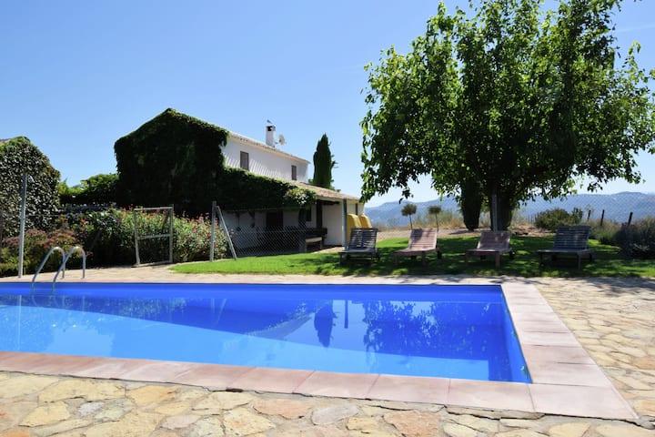 Casa lujosa en Fuentes de Cesna con piscina