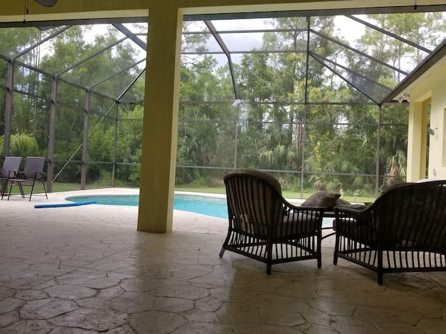 Healing Retreat: PRIVATE ROOM Pool Home Non-Toxic