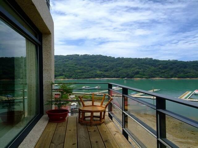 日月潭面湖渡假旅店-貴賓雙人房 - Yuchi Township - Serviced apartment