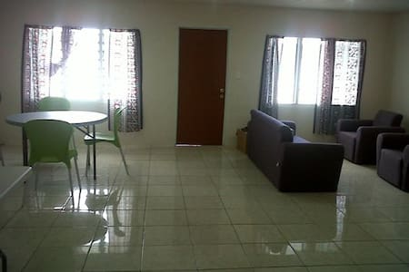 Spacious apartments 5 min from city - Apia