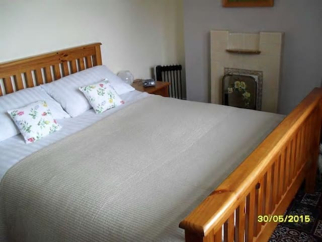 Taigh Mairi (Mary's House) Room Only in Breakish