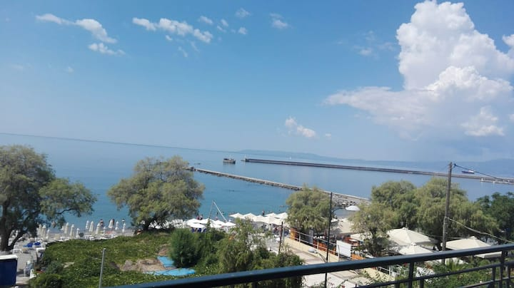 Cozy sea view apartment in Kalamata Messinia
