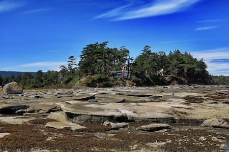 Dunlop Point - Hornby Island - Ház