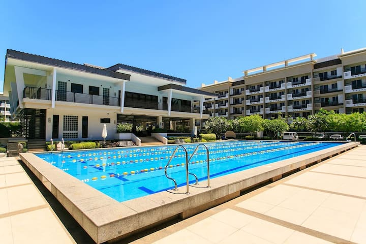 2BR inTaguig Resort type with WIFI  417