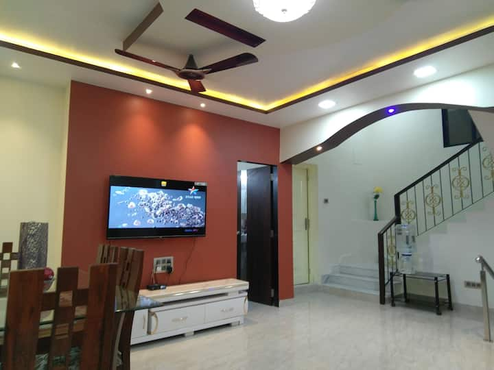 BALANI House, 2 bedroom duplex apartment in Vashi.