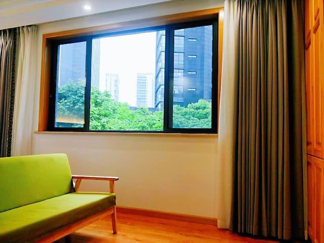 平阳居公寓301房间,位于中国最美县城桐庐