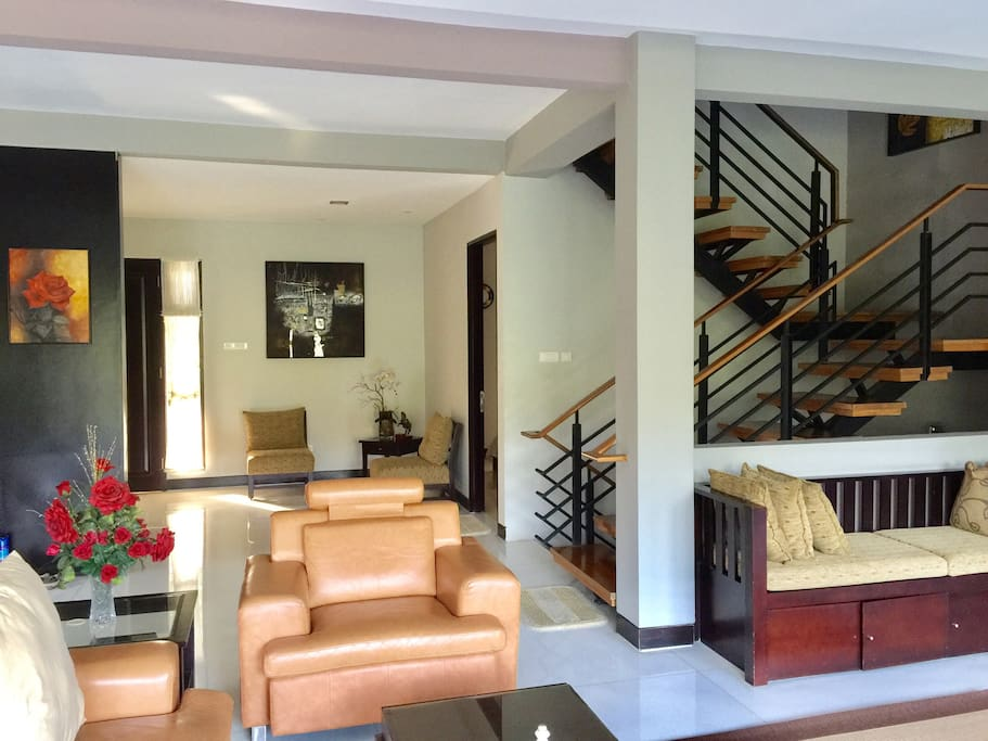 Level 1: living room, family room