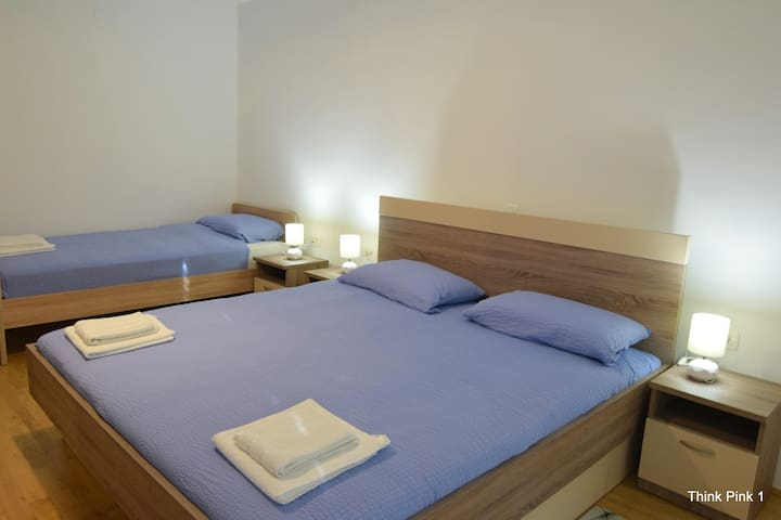 2nd triple room with air-conditioning and terrace