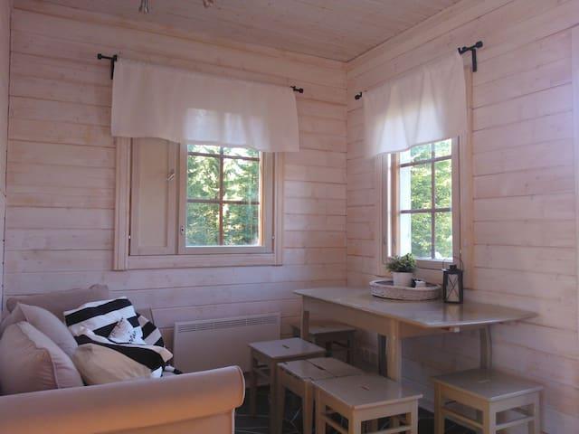 Kurjenpesä cottage - Hämeenkyrö