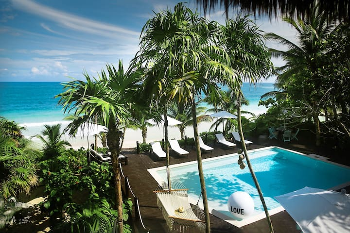 CASA CHIC - beachy, jungle waterfront villa