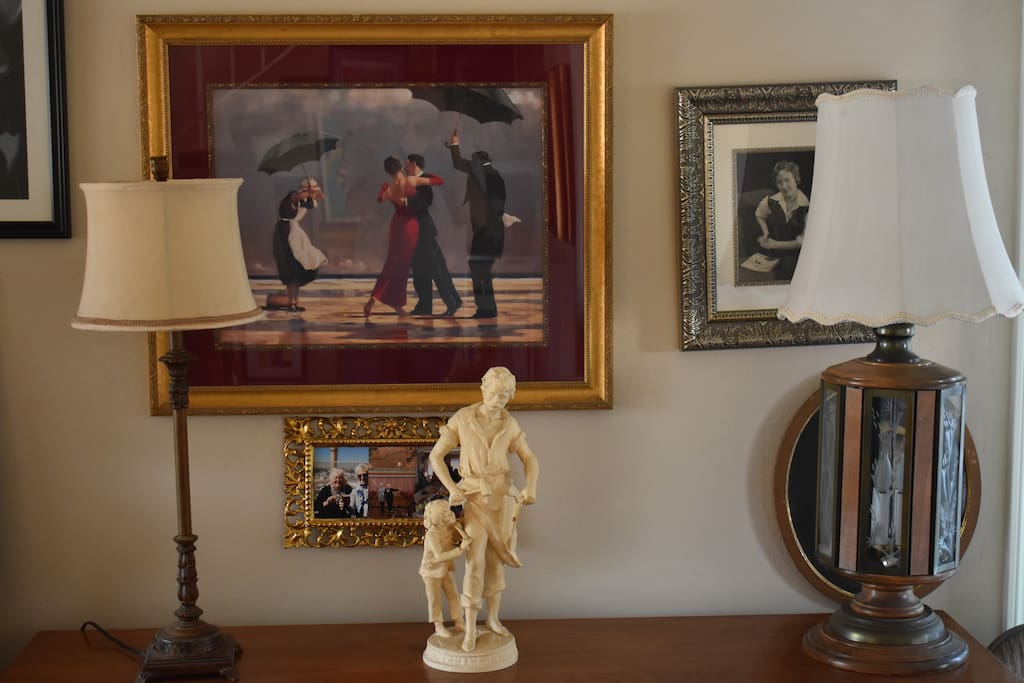 Our living room is like a small museum with art works, beautiful fireplace and antique lamps. Guests are welcomed to spend their time in this room, too.