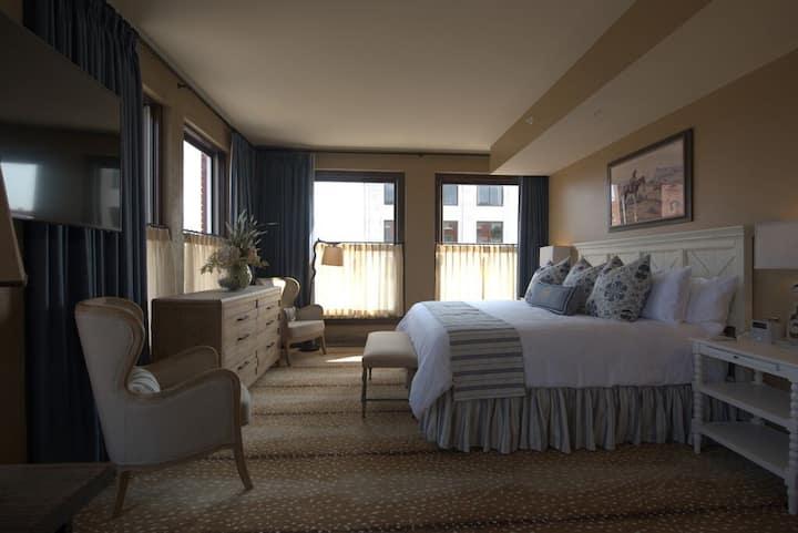 Frontier Hotel Pioneer Suite