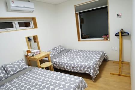 D 개인실,개별화장실 (Room private bathroom) - Bonggae-dong, Jeju-si - Talo