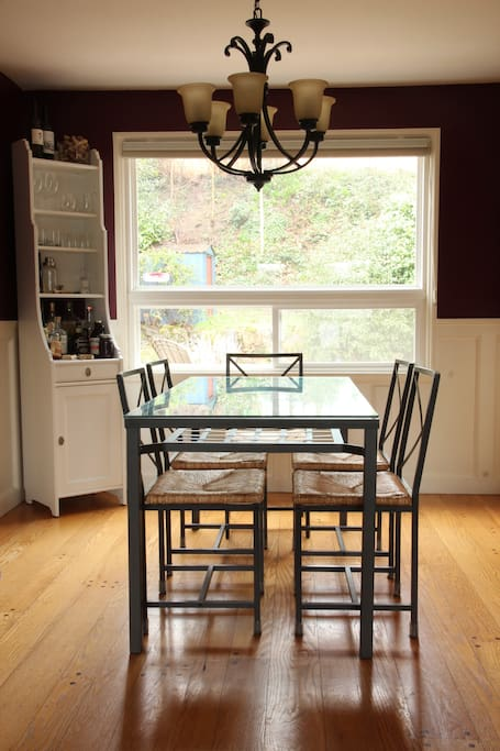 Bright and cheery dining room