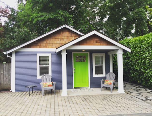 Beaverton Tiny House, Perfect Weekend Getaway - Beaverton - Huis